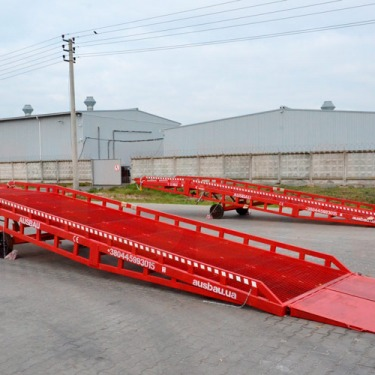 AUSBAU-PRO6-SRS-HR loading ramp for a plant in the south of Switzerland