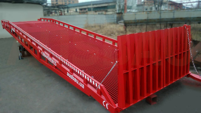 Mobil rampe AUSBAU-PRO8-4WL for en kunde i Schweiz