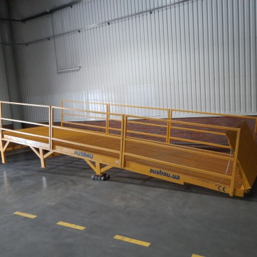 Fixed loading ramp with additional options for our regular customer