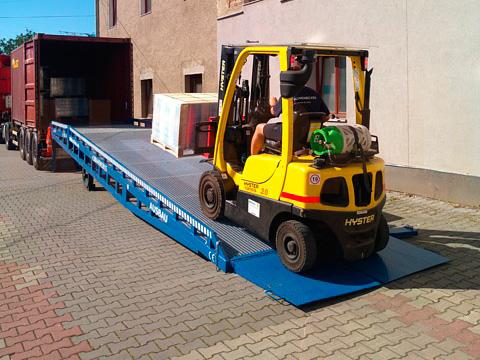Novo projeto de rampa de carga móvel na República Tcheca